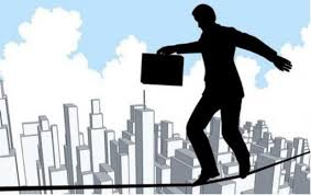 Existen Normas como ISO 31000 que ayudan a identificar y gestionar los Riesgos en las Organizaciones.